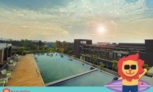 Ada 5 Kolam Renang Rooftop Di Bandung yang BIKIN LIBURAN Makin Menyenangkan!