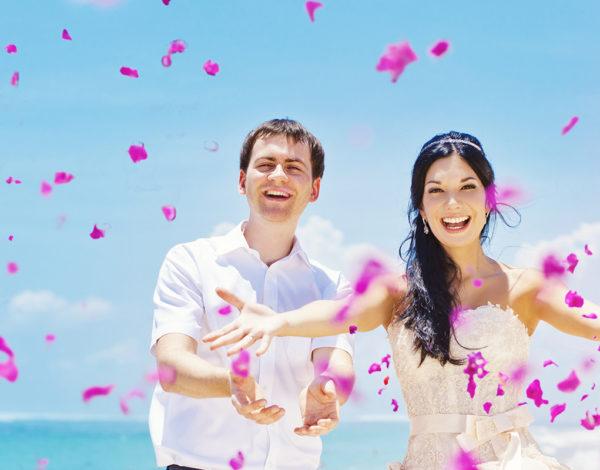 Mimpi Mau Pernikahan Romantis? 5 Tempat Outdoor di Indonesia Ini Pilihan Paling Tepat!
