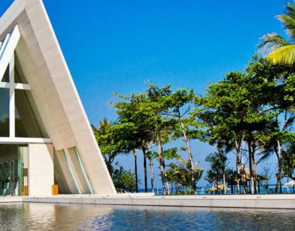 5 Hotel di Bali Dengan Pantai yang Keren Untuk Wedding