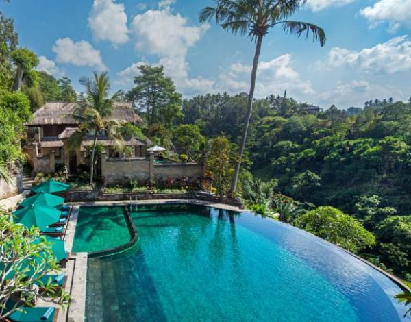 Discover  The 5 Revealed Secrets of Saving Cost Stay In A Luxurious Villa